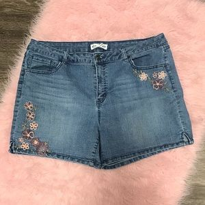 Artisan NY Floral Embroidered Shorts Sz 16